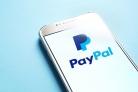 Un journaliste d'extrême droite se tourne vers le Bitcoin suite à l'interdiction de PayPal